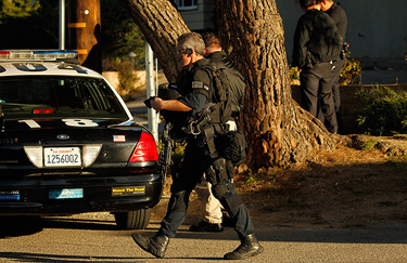 LAPD SWAT officers in Sylmar. Al Seib / Los Angeles Times