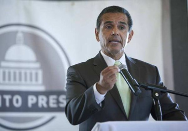 Photo: Los Angeles Mayor Antonio Villaraigosa speaks at a luncheon in Sacramento in August. Credit: Steve Yeater / Associated Press